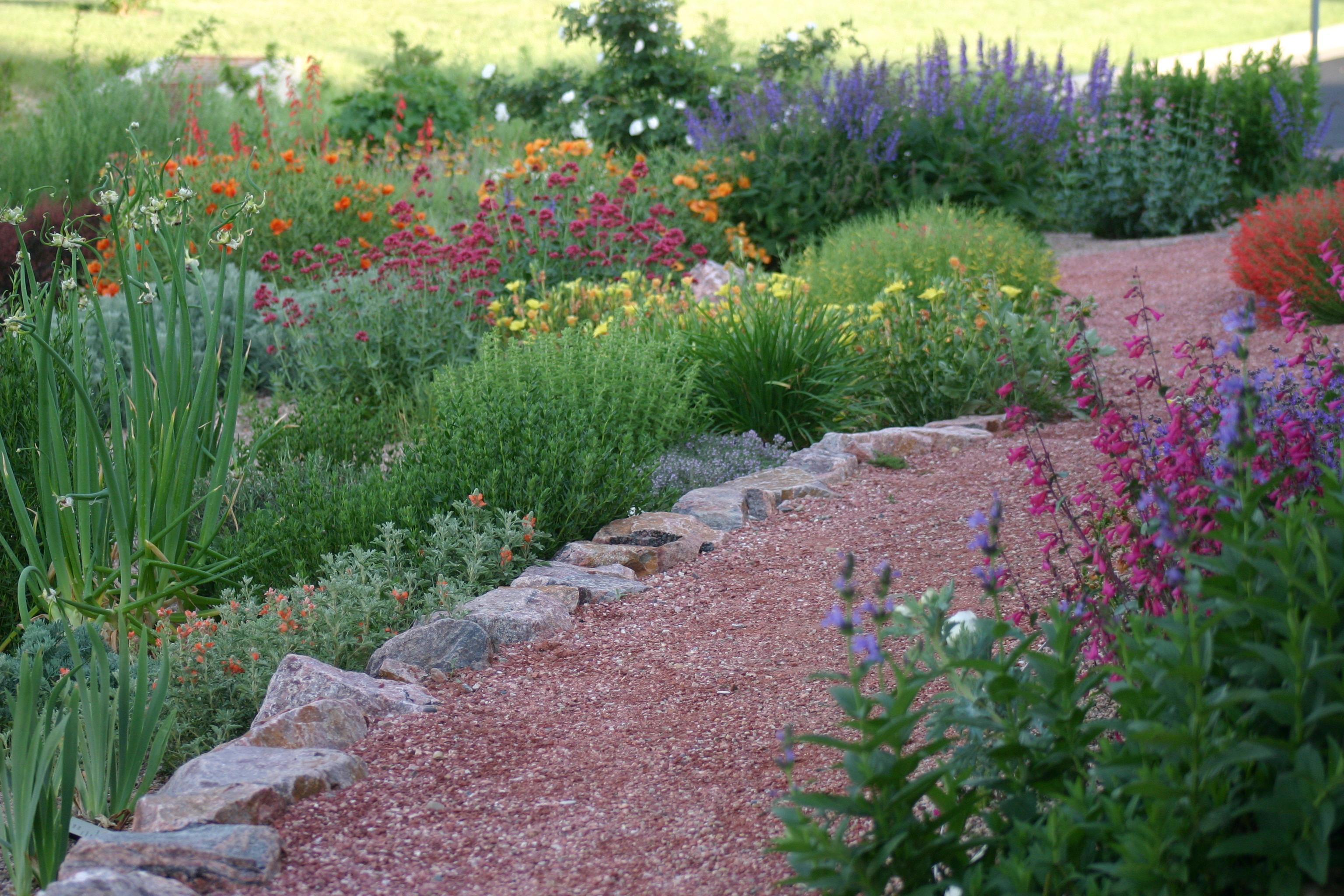 Southeastern Colorado Water Conservancy District Demonstration Xeriscape Garden (Pueblo) | Plant ...